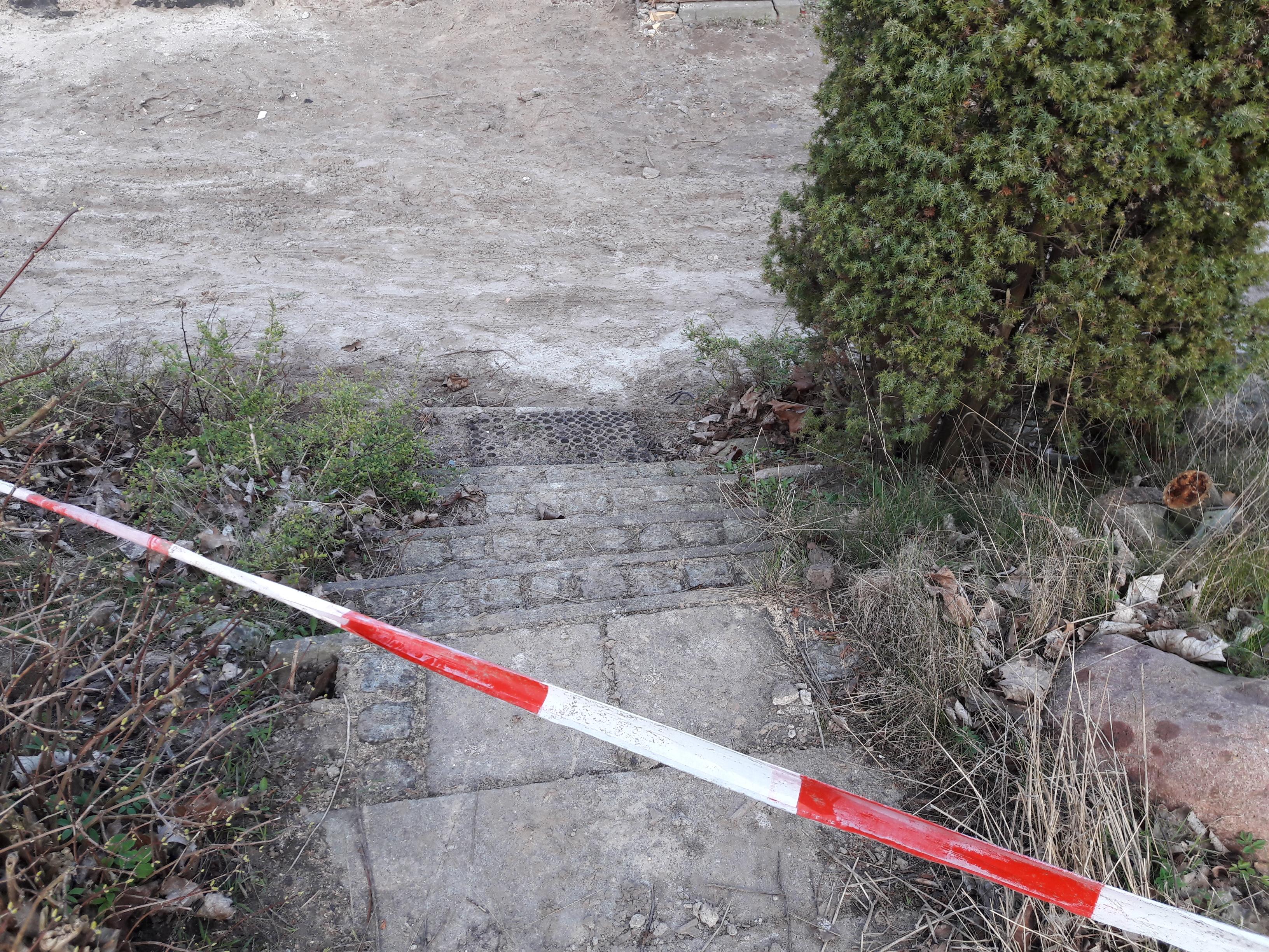 """Ehemalige Treppen zum Restaurant """"Zum kleinen Inselblick"""