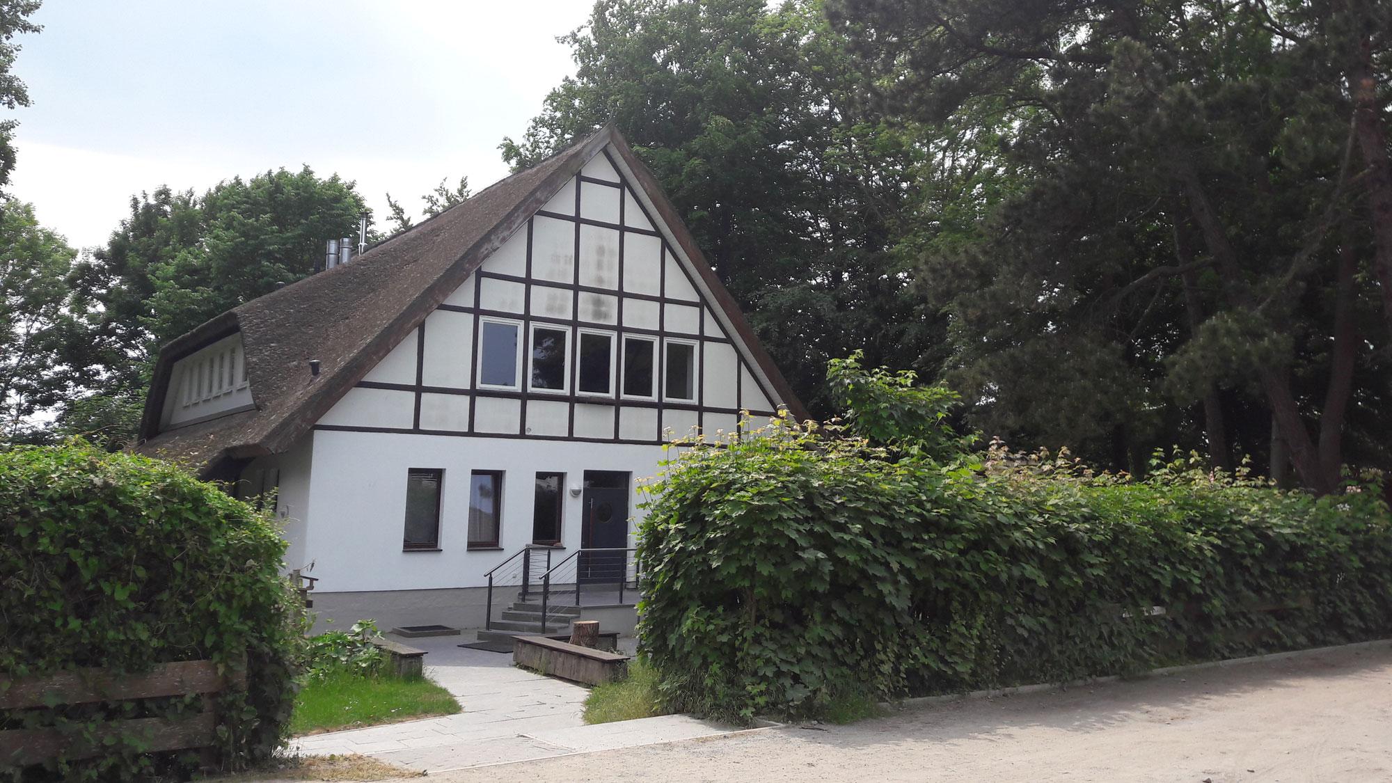 Gästehaus der ev. Gemeinde in Kloster gegenüber der Inselkirche Copyright: Cornelia Saxe